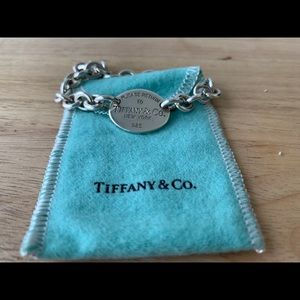 Tiffany & Co Return to Tiffany Oval charm bracelet